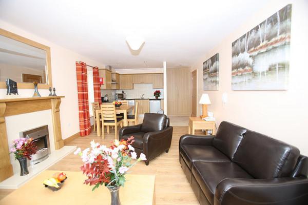 IMG8644-Living-room
